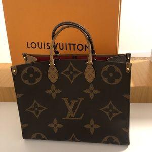AUTH Louis Vuitton Giant Reverse Monogram OnThego